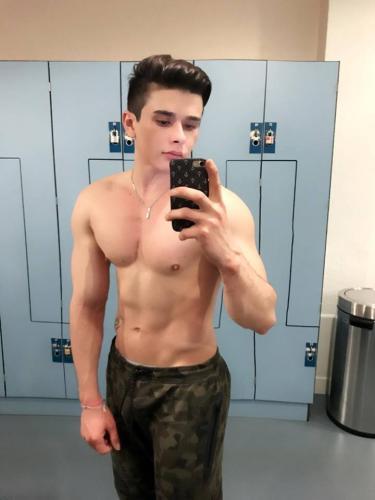 Bruno salles acteur filme porno!! je suis un jeune garçon gay active/passive, je suis disc - Escort Paris