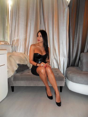 Maitresse Diane Sublime - Escort trans Paris - 0768131957