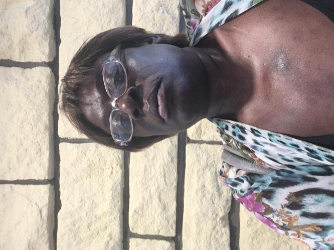 Maîtresse black cherche homme soumis - Escort Vitry sur Seine