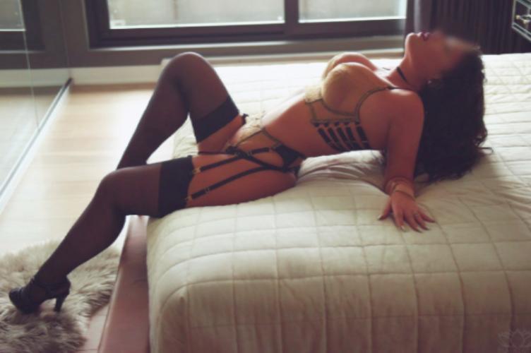 Femme qui aime donner du plaisir - Escort Annecy