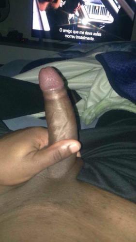 Jeune black bien monté