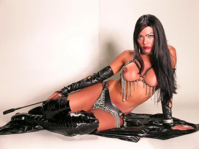 Superbe trans latine xl dominatrix de amour rare beoute a paris !!! - Escort Paris