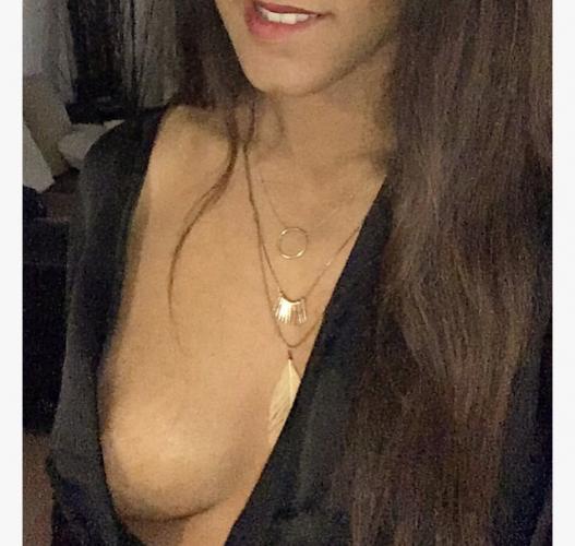 Jeune femme escort