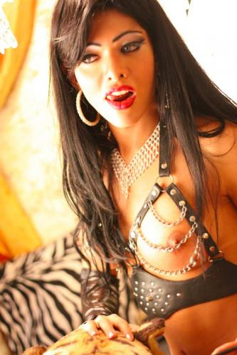 Superbe trans latine xl dominatrix de amour rare beoute a paris !!! - Escort Paris
