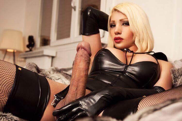 •*sublime trans alexia blonde 23cm ttbm 200% réel sur lyon 1 ! - Escort Lyon