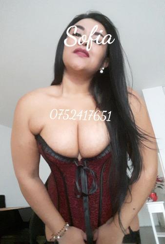 Sofia belle brune voluptuese - Escort Dax