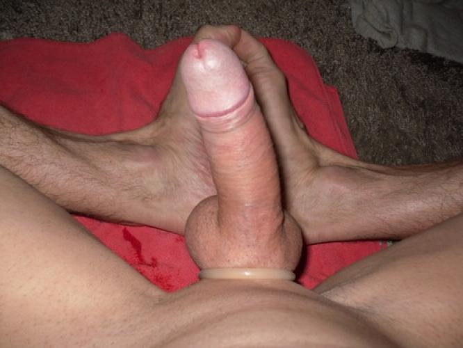 >Escort masseur gay cho 17cm disponible pour h hétéros*bi tous âges 06.76.40.82.84 - Escort Paris