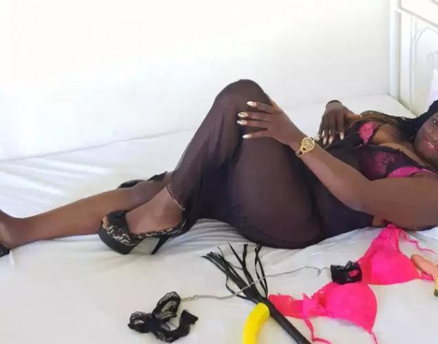 Chic black diamond  de passe  pour votre bonheur - Escort Corbeil Essonnes