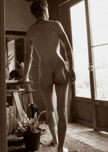 Jeune homme propose massage pour femme - Escort Angers