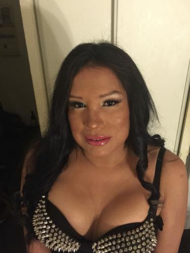 >Je suis une fille trans latine - Escort Courbevoie