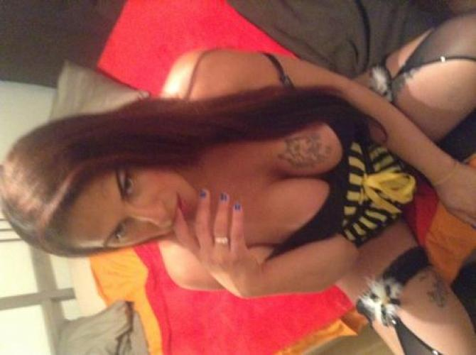Melodie vicieuse trans  de passage sur paris 16 eme recoit se deplace - Escort Paris