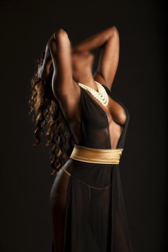Nichajolie girl  indépendante - belle black - Escort Paris