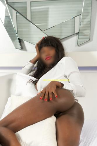 Nïchajolie girl  indépendante - belle black - Escort Bordeaux