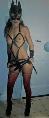 Mes esclaves maitresse nicole jolie femme a paris 10 eme 208 rue lafayette 0646841643 - Escort Paris