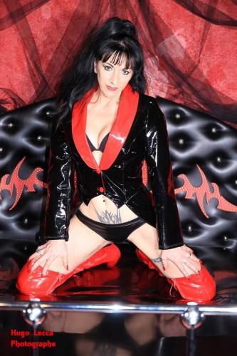 Dominatrice sexy autoritaire - Escort Saint Raphael