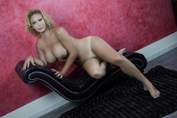 Pas disponibile jus que 2019 - Escort Clamart