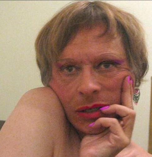 Natasha belle travestie suedoise blonde, fine - Escort Albertville