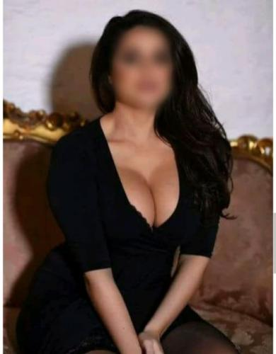 Elisa pour massage tantrique - Escort Chantilly