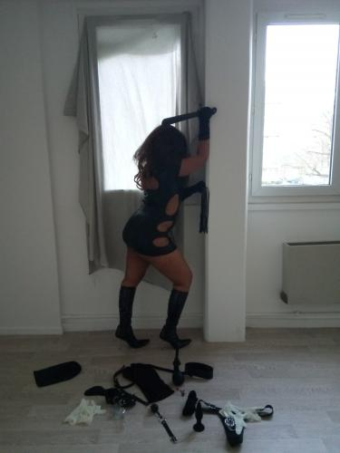 Belle black et sexy escorte - maîtresse juliana - Escort Paris