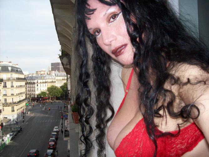 Appelle moi /métro les gobelings/ligne 7 5em - Escort Paris