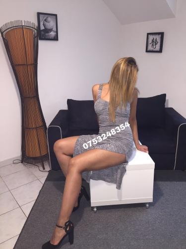 Paula magnifique blonde de pasage - Escort Reims