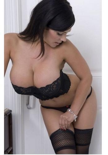 Sexy brune pour massage unique complet!! - Escort Chessy