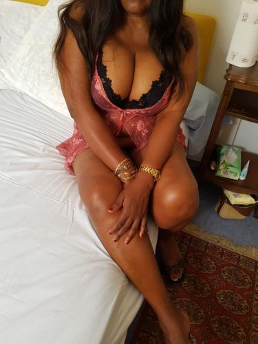 Chaude black - Escort Paris