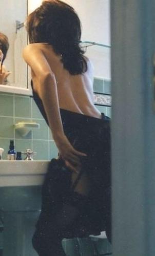 Carla massage érotique naturiste tantrique pro statique,brune sexy raffinée - Escort Nice