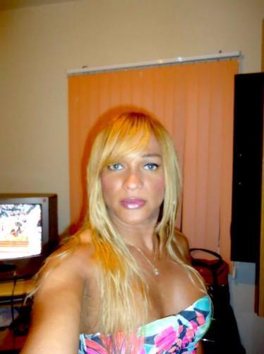 Trans nicolle belle blonde - Escort Serris