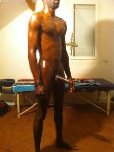 >Black tbm masseur naturiste - Escort Paris