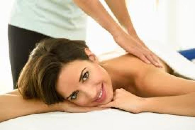 Massage sensuel aux huiles douces pour mesdames - Escort Pau