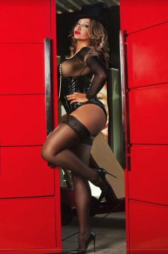 Naturellement pulpeuse - Escort trans Paris - 0755165510