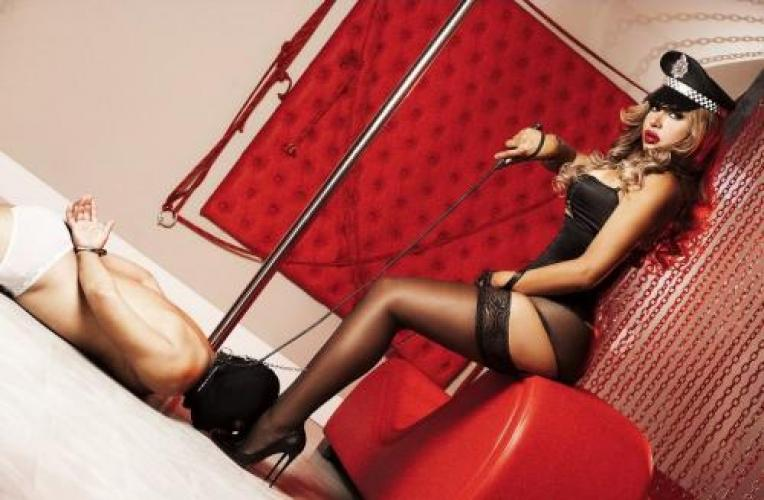 Laura transexuelle a paris active et passive - Escort Paris