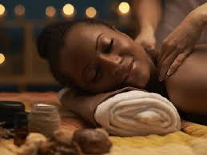 Massage sensuel & erotique pour vous madame - Escort Pau