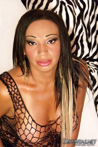 Belle amanda trans brésilien 1 fois a bordeaux disponible pour hommes hétéros curieux - Escort Bordeaux
