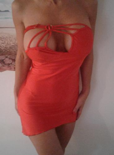 Blonde sexy au gros seins , bcbg, et maitress/domina - Escort Toulon