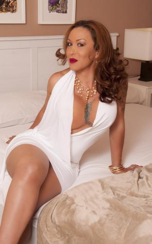 >Juene trans dominatrice soft herd tres chaud - Escort Toulouse