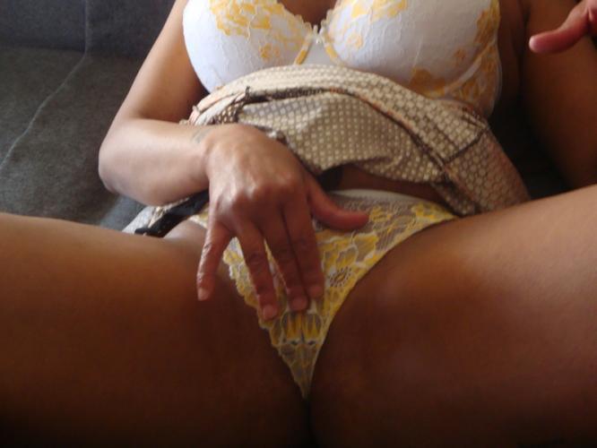 Jolie française d'origine antillaise pour massage coquin et bcp plus.... - Escort Martigues