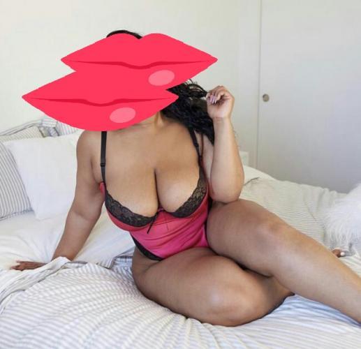 Black big booty - Escort Paris