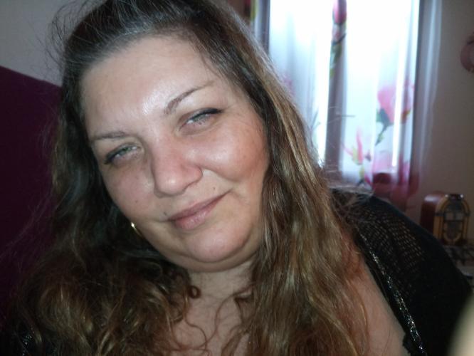 Mia reine de la fellation - Escort Libourne