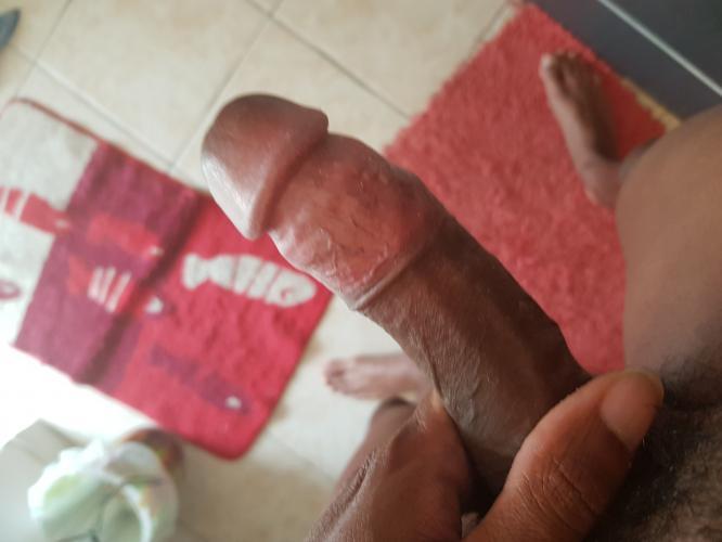 Black de 23 ans disponible mesdames - Escort Tarbes