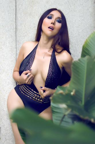 Sexy shemale model visiting paris now - Escort Paris