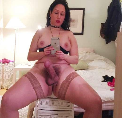 Transex active gross bite poilue pour les hommes...salope bcp de sperme.!!!!