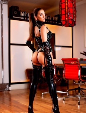 Hot    new superbe trans  massage domination   appelez vite - Escort Narbonne