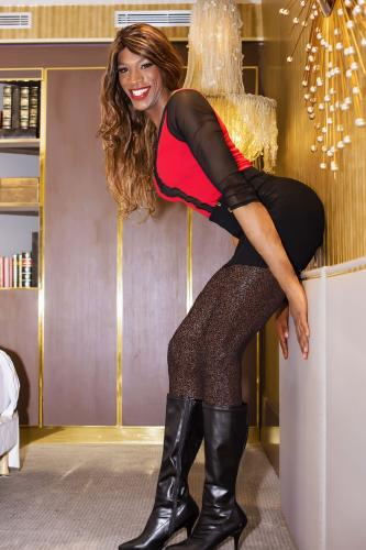 Michelly brunette xxl - Escort Paris